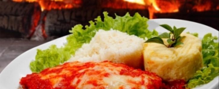 Receita de filé de frango à parmegiana - Que Delícia