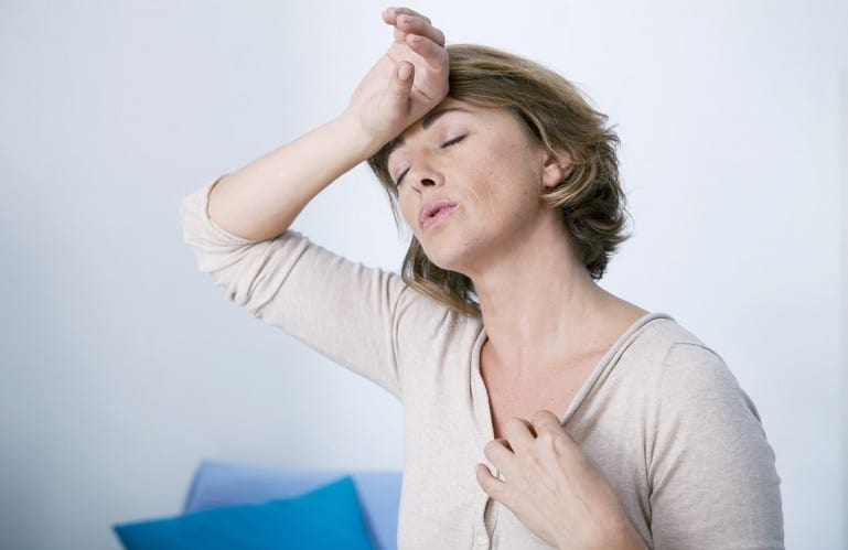 Mulher e a Menopausa - Sintomas, Fases e Tratamento