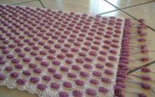 Tapete de Crochê Bolinhas Feito de Barbante e Lã – Vídeo do Passo a Passo de Como Fazer.