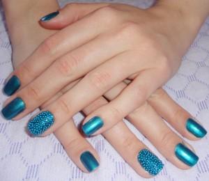 Unhas-caviar-azul