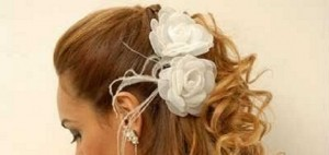 Flores-de-pano-para-o-cabelo-Modelos-Como-usar-noiva][