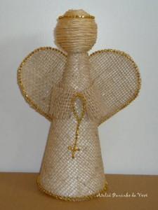 anjo-de-juta-dourado