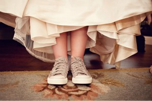 wedding-shoes-convers-bride-snickers-tennis-shoes-7