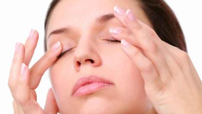 olheiras-tratamento-caseiro-amendoa