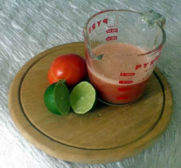 olheiras-tratamento-tomate