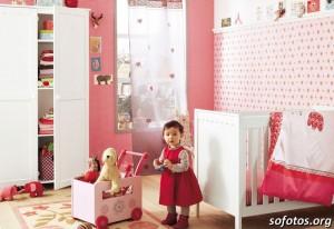 decoraçao-rosa-vermelho-quarto-bebe