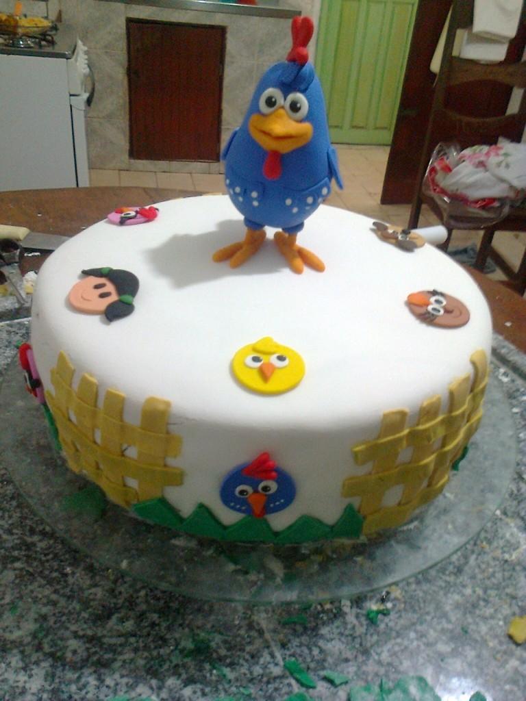 bolo-galinha-e-personagens