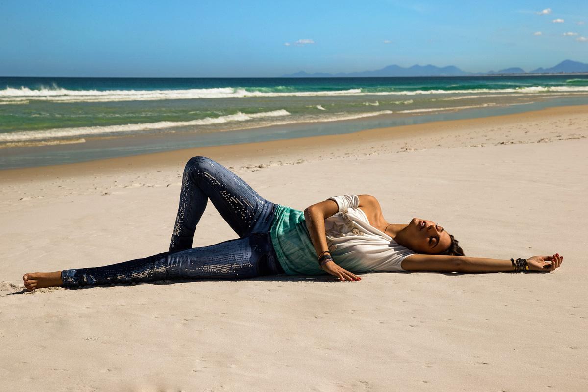 jeans-detalhes-blusa-degrade-planet-girls