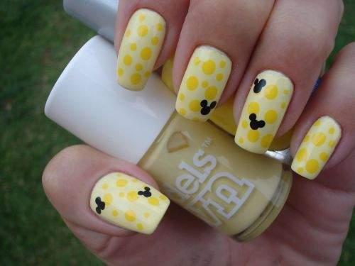 unhas-amarelas-mickey