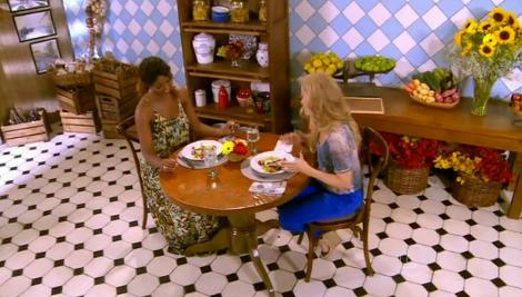 Lombo de porco ao molho de iogurte, preparado por Cris Vianna no programa Estrelas, que foi apresentado por Angélica na TV Globo em 08.03.2014. Pronto na Mesa