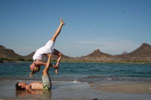 acro-yoga-06