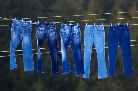 Como Customizar Jeans Velho – Passo a Passo