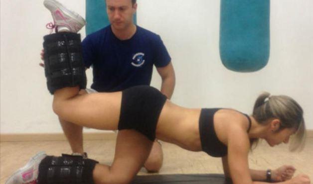 exercicio-gluteo-joelho-flexionado