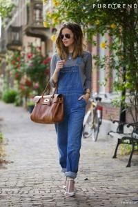 jardineira-jeans-cropped-com-salto