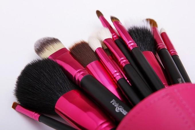 pinceis-pink-gloss-pink