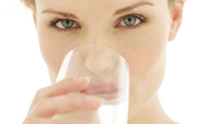 Água Alcalina – O que é, Como Fazer e Dieta