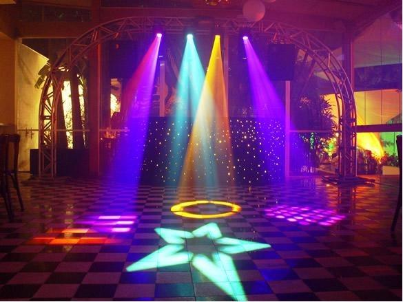 Festa-Neon-Baladinha-decoração-iluminaria