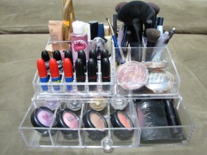 organizar-maquiagem-acrilico