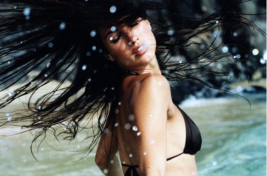 Cabelos no Verão Piscina, Mar e Sol – Dicas de Como Cuidar