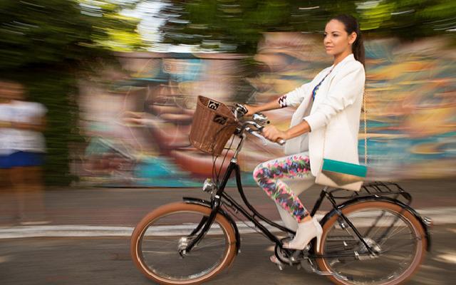 Trabalhar de bicicleta tecido