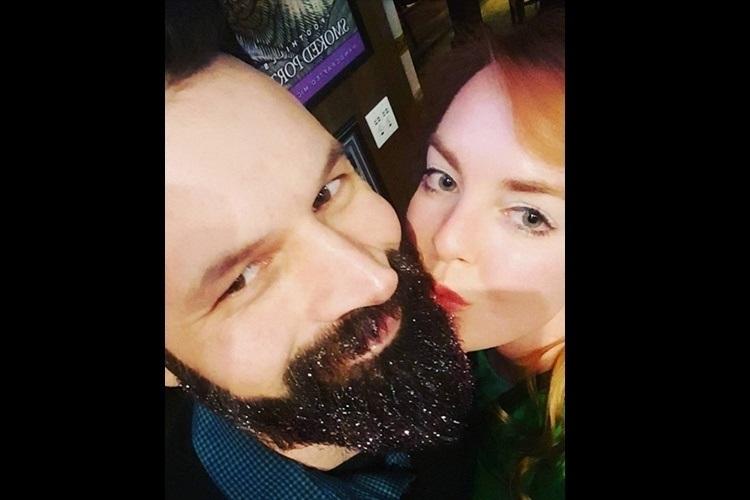 Barba Com Glitter discreto