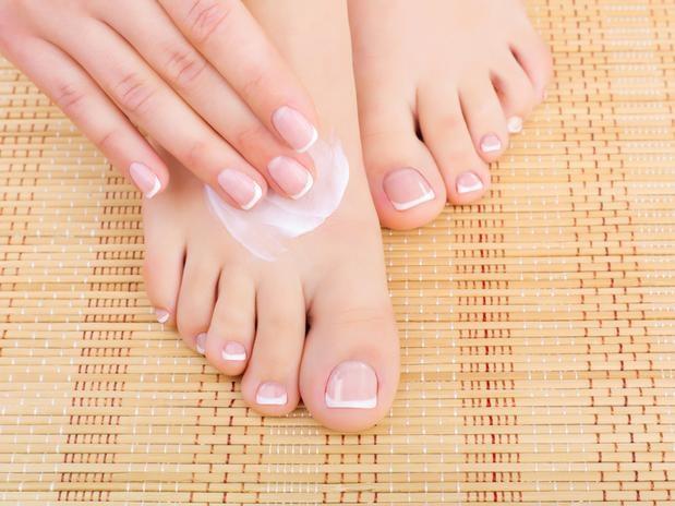 Rachadura nos pés hidratar