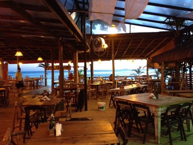Alimentação à Beira da Praia local