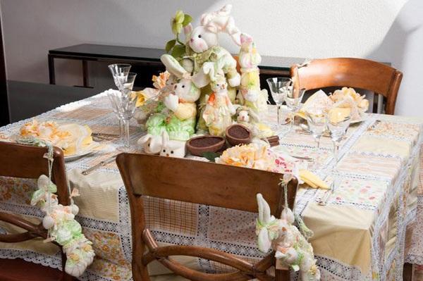 Como Decorar a Casa na Páscoa mesa