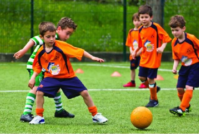 Escolinha de Futebol Para Crianças  Beneficios