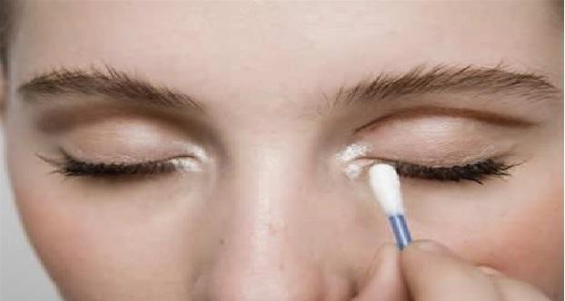 Cotonete na Maquiagem –Dicas Como Usar