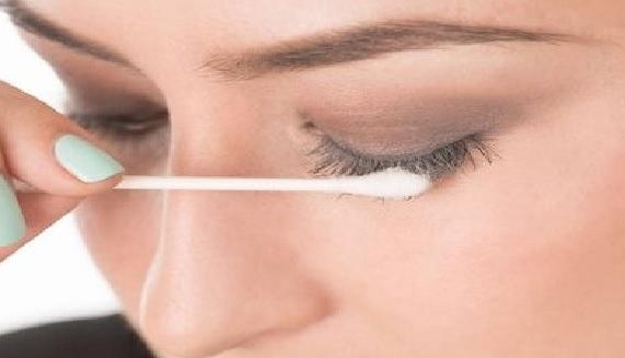 Cotonete na Maquiagem Dicas esfumar