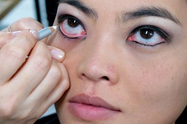 Maquiagem Com Lapis Branco
