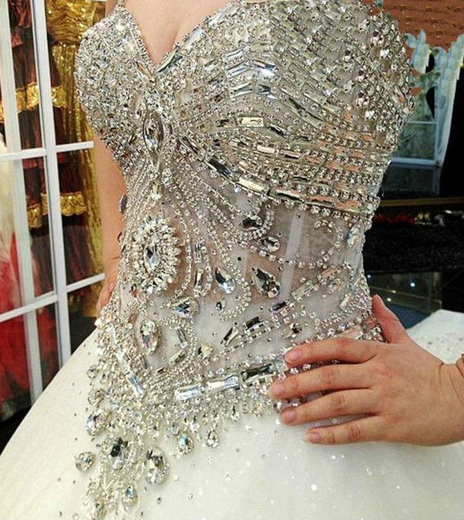 Vestido de Noiva Com Pedrarias - .