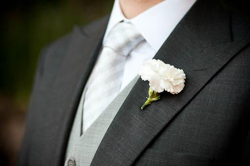 flor-de-lapela-para-noivos-cravo