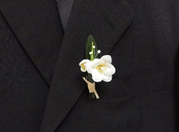 flor-de-lapela-para-noivos-jasmim