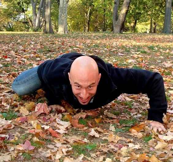 crawling-malhar-engatinhando