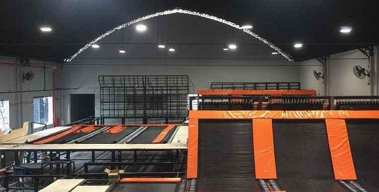 parque-de-trampolins