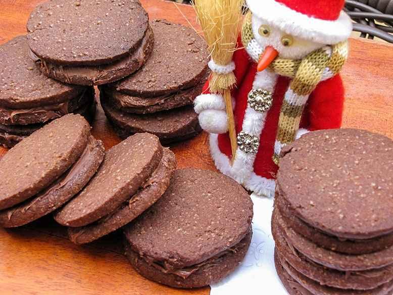 Biscoito Recheado Com Creme de Avelã - Receita Natalina