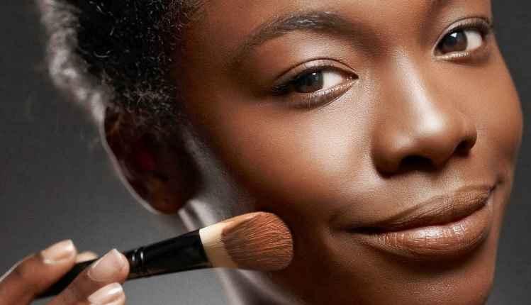 Contornar e Iluminar Peles Negras - Dicas de Como Maquiar