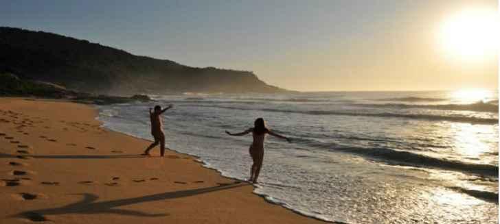 Praia Para Nudismo no Brasil – Onde Encontrar