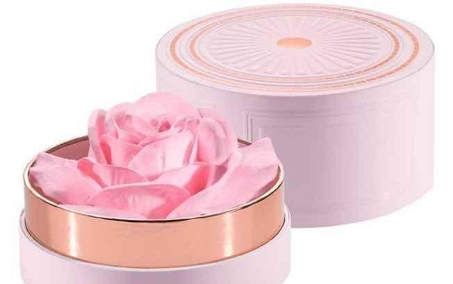 Iluminador no Formato de Rosa – Novidade Em Maquiagem