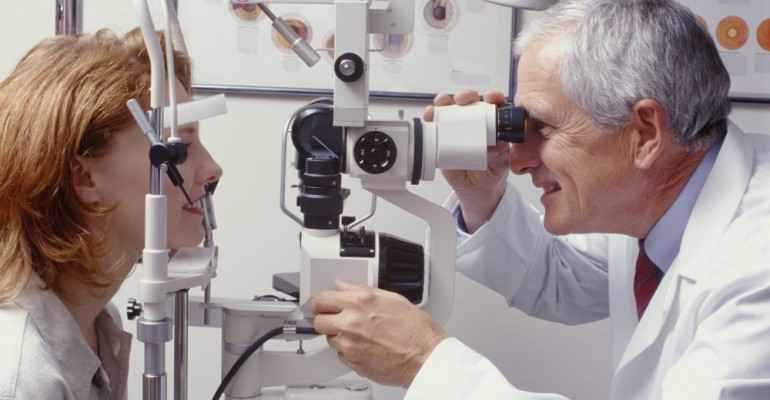 Catarata Nos Olhos - Sintomas, Causas e Tratamento