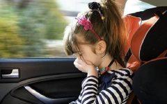 Enjoo de Criança No Carro – Como Evitar