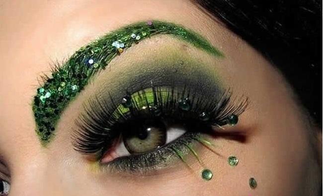 Strass na Maquiagem – Dicas Como Usar
