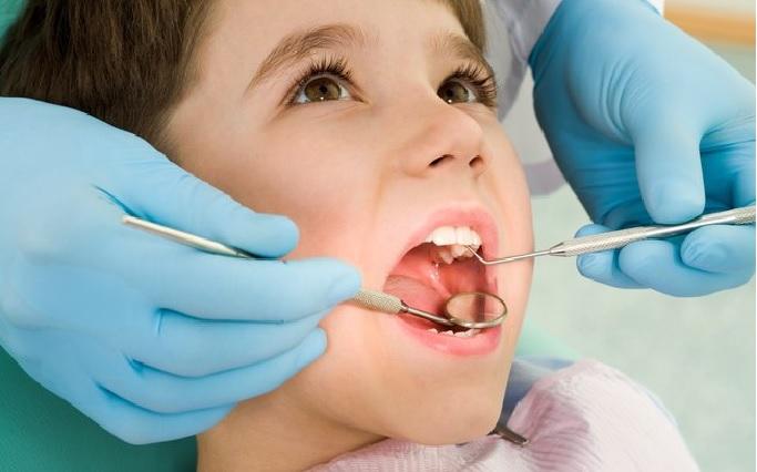 Dentista para Crianças e Adolescentes – Tratamento Grátis E Como Agendar