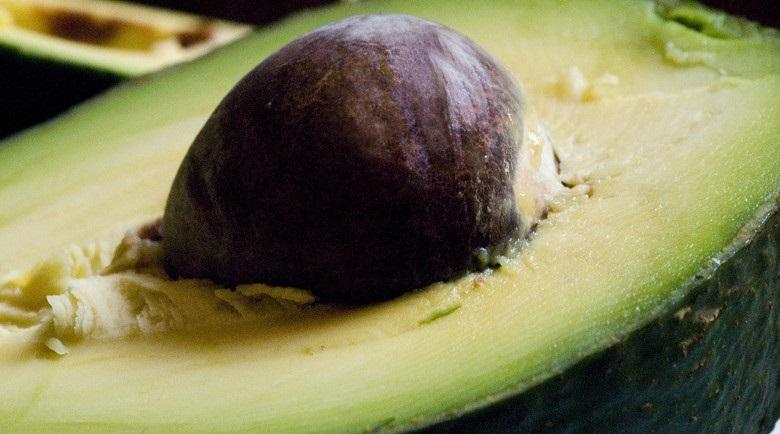 Farinha do Caroço do Abacate – Benefícios e Como Fazer