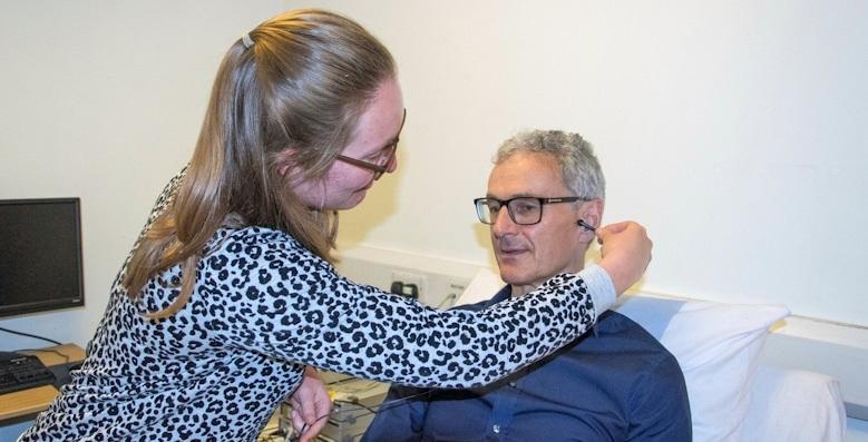 Terapia de Cócegas na Orelha - Como Funciona